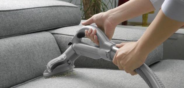 تنظيف قطع الاثاث في المنزل